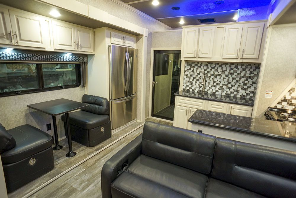 Luxury toy hauler dinette